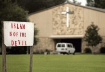 A church sign calling Islam of the Devil